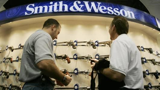 See What's Happening to Gun Stocks in Wake of Orlando Terrorist Attack