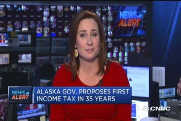 Alaska Gov. proposes first income tax in 35 years