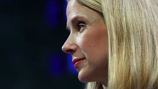 Marissa Mayer Signing Out of Yahoo With $186M Payout
