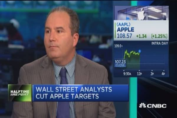 Analyst that downgraded Apple: Next product cycle 'make-or-break'