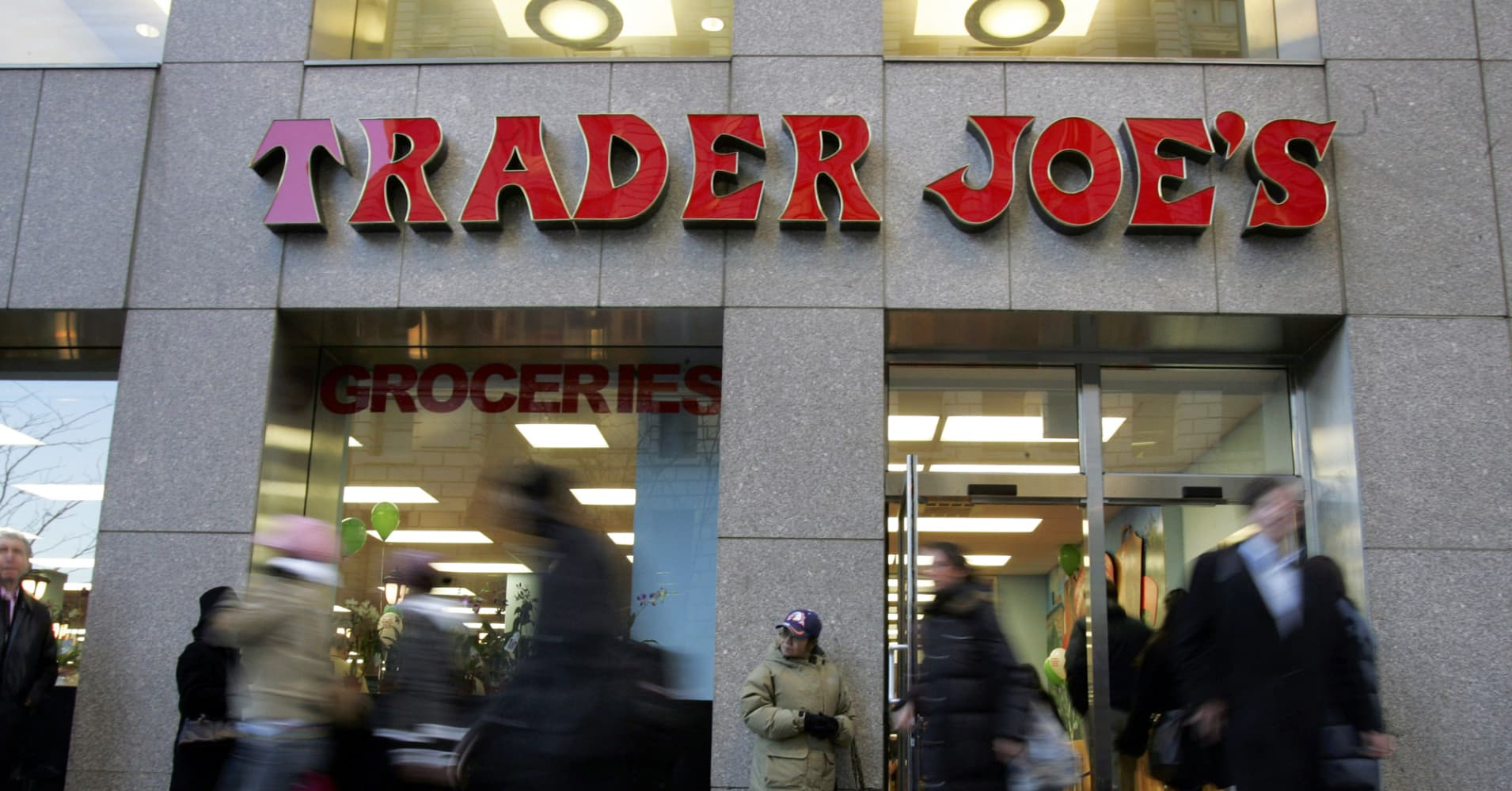 Trader joe s hit with lawsuit about tuna fish for Trader joes fish