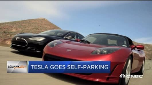 Tesla adds self-parking feature
