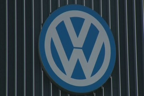 Volkswagen shareholders to file claim over emissions scandal