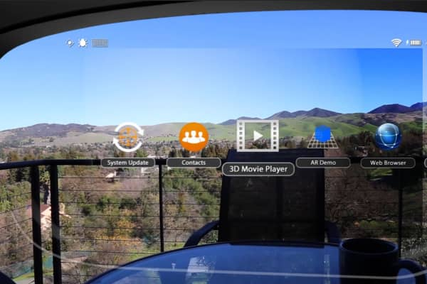 A view through ODG Smartglasses while browsing the main menu.