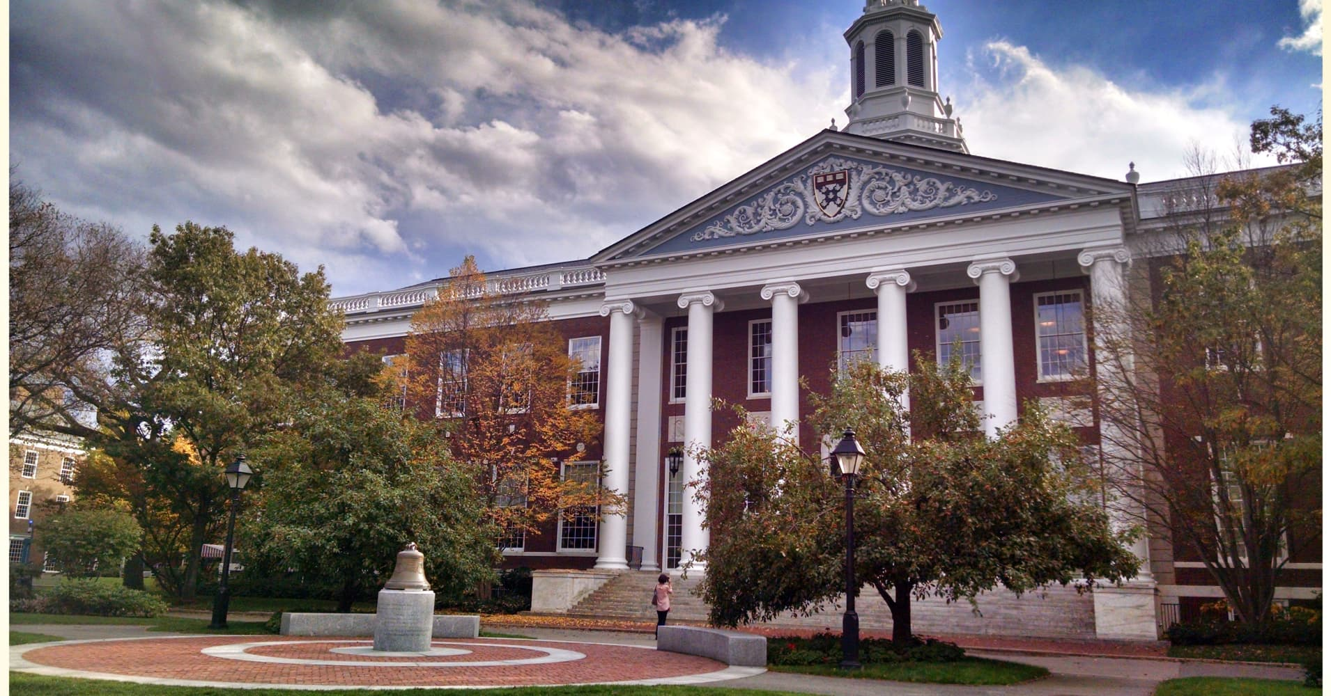 Harvard Business School gets blamed for income inequality-commentary