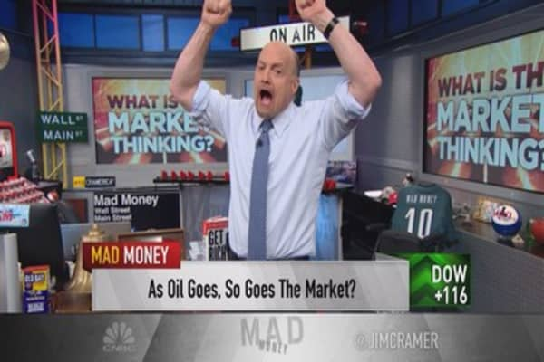 Cramer: Oil's insane connection to rallying stocks