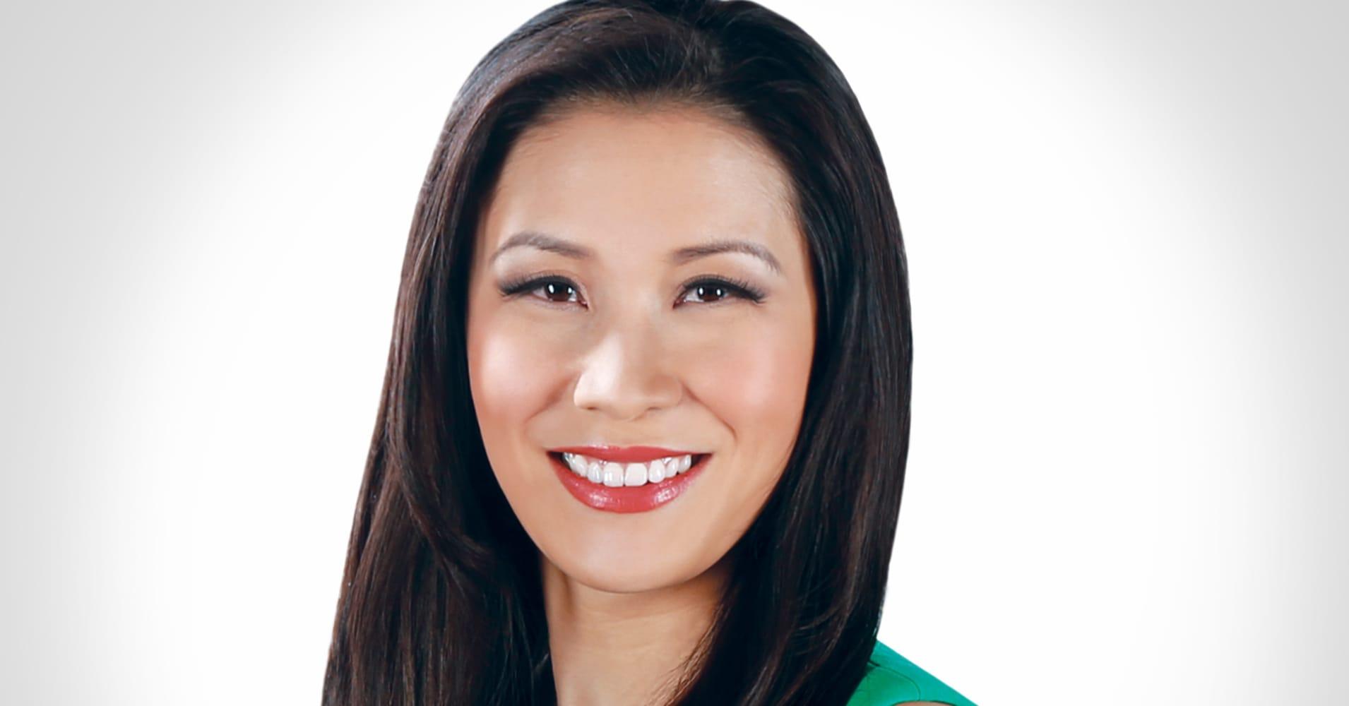 Hottest Female News Anchors -Susan Li