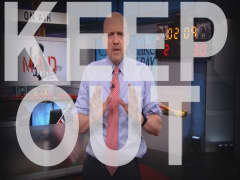 Cramer Remix: These stocks MUST be sold. Now
