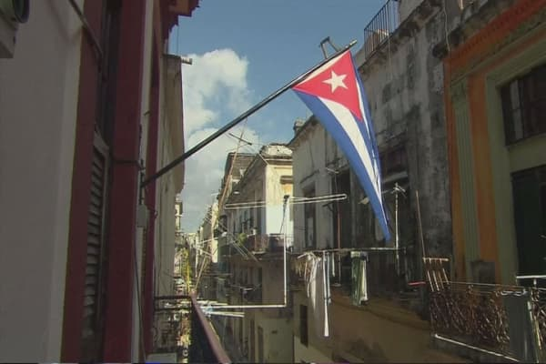 Cubans rush to US amid island rumors