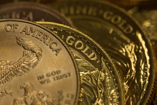 Gold will continue to shine amid a weak dollar, says author and gold pro Jim Rickards.
