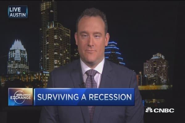 How to survive a recession: Economist