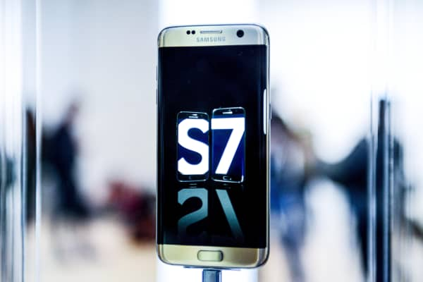 A Samsung Galaxy S7 is seen during its worldwide unveiling on February 21, 2016 in Barcelona, Spain.