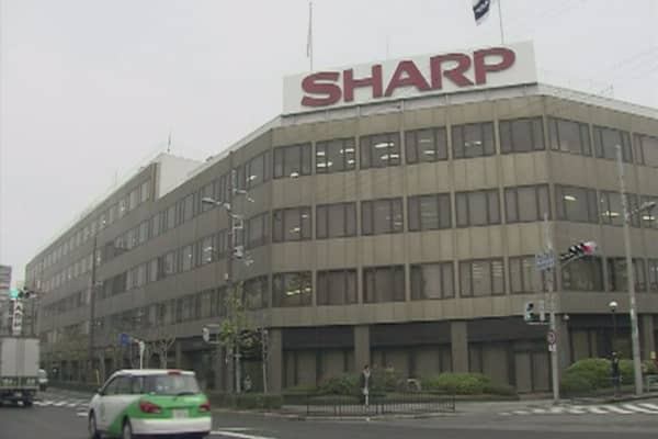 Foxconn puts $5.8B takeover of Sharp on hold