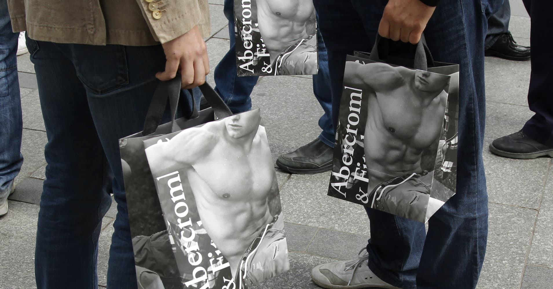 Traders see further decline ahead for Abercrombie & Fitch