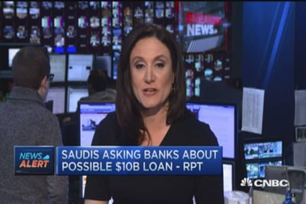 Saudis asking banks about possible $10B loan - Report