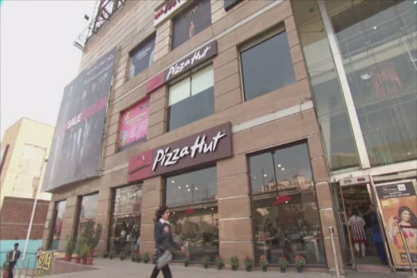Pizza Hut to award free pizza for Pi Day