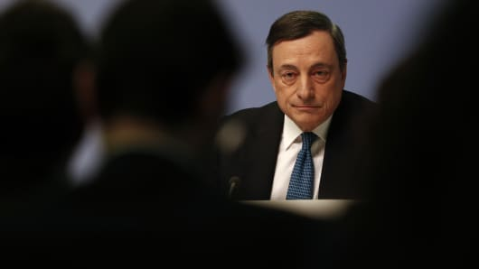 European Central Bank (ECB) President Mario Draghi attends a news conference at the ECB headquarters in Frankfurt, Germany, March 10, 2016.