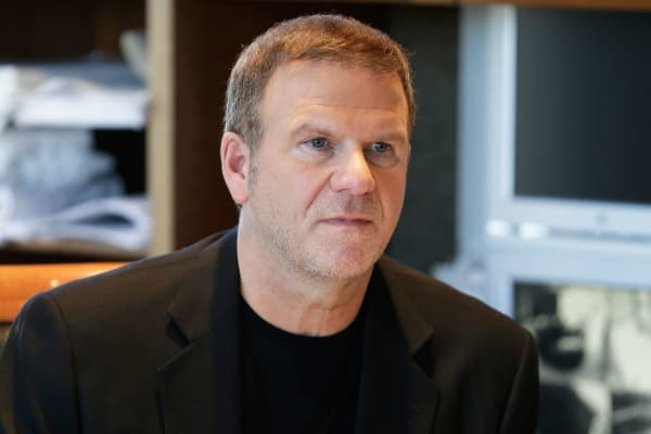 Tilman Fertitta, Billion Dollar Buyer