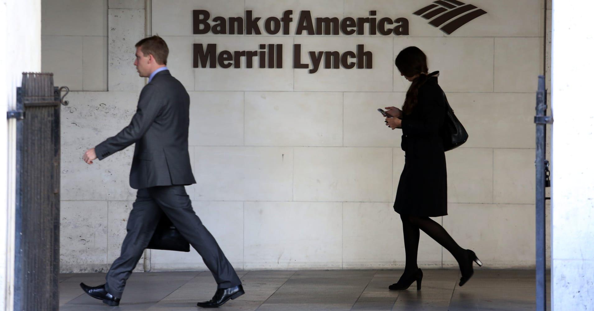 Merrill Lynch trims divisions, shuffles executives