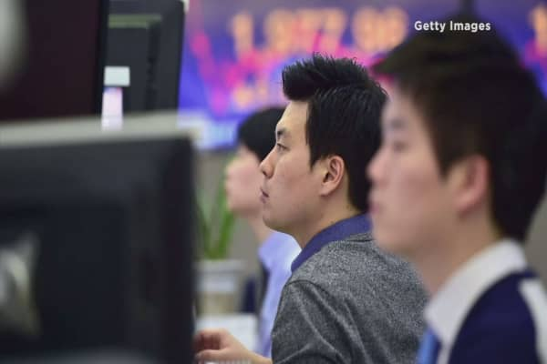 Capital flows to emerging markets surge