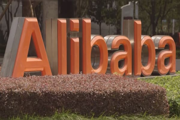 Alibaba invests in Southeast Asian retailer Lazada