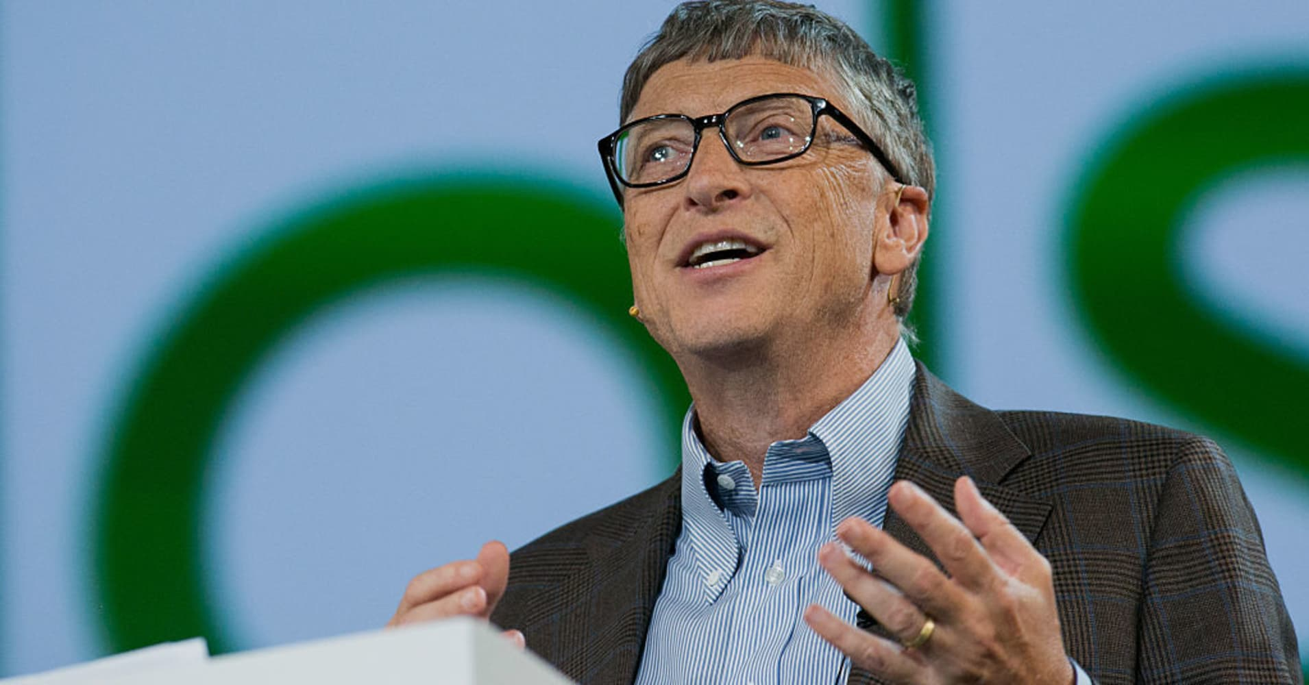 The 5 books Bill Gates urges everyone to read this summer