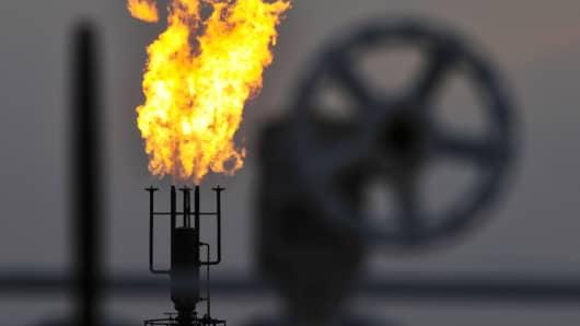 Oil flare