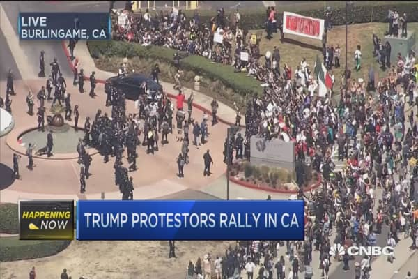 Trump protestors break through barricades