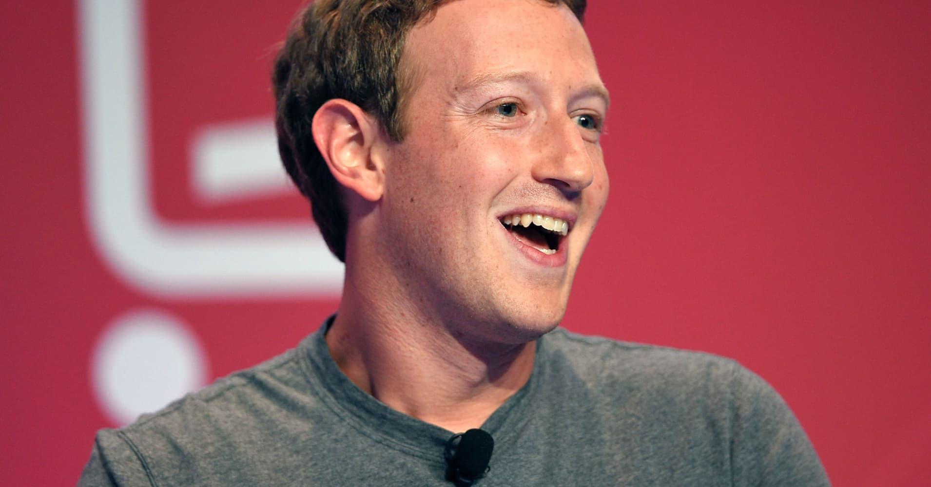 Cramer Explains How Apple Powered Facebook's Win