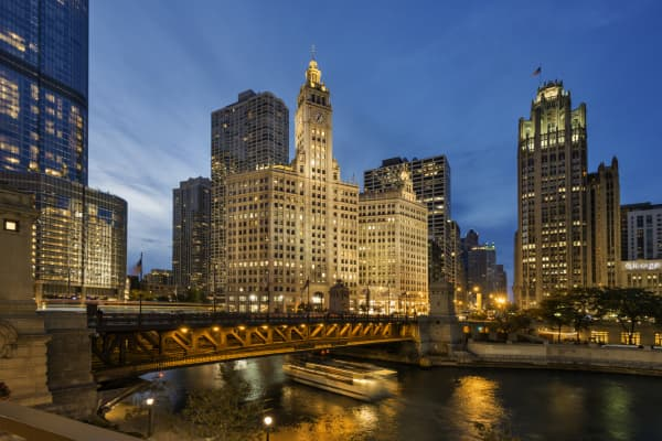Evening picture from Chicago riverwalk