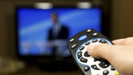 Nielsen NV (NLSN) Shares Bought by Putnam FL Investment Management Co
