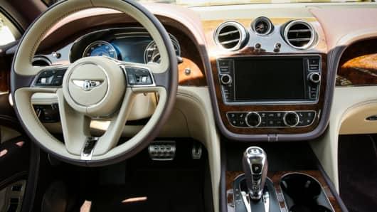 Bentley 229k suv world 39 s most luxurious bentley usa ceo