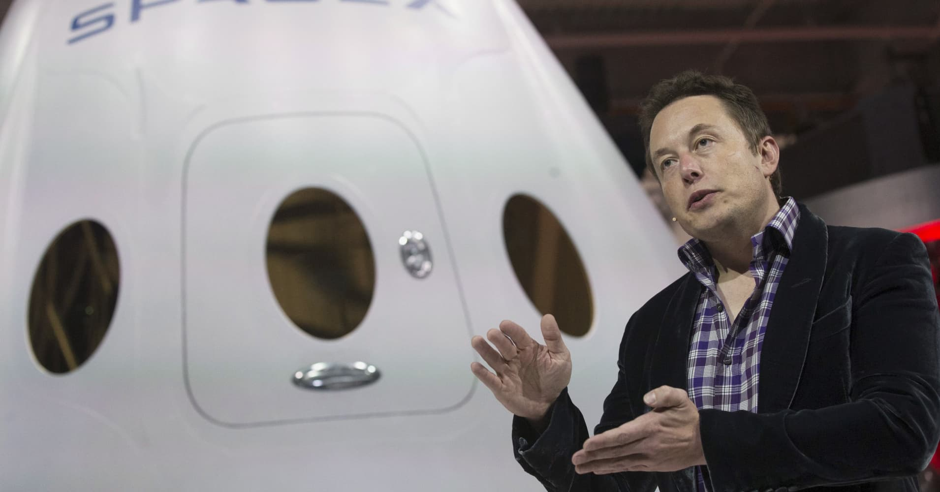 SolarCity co-founder to leave Tesla