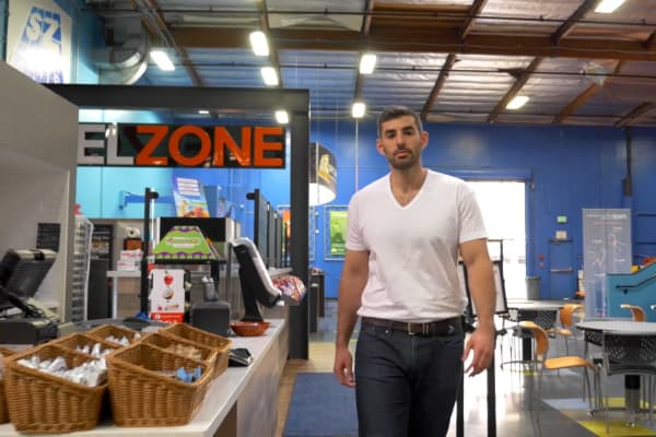 Jeff Platt became CEO of Sky Zone at the age of 21.