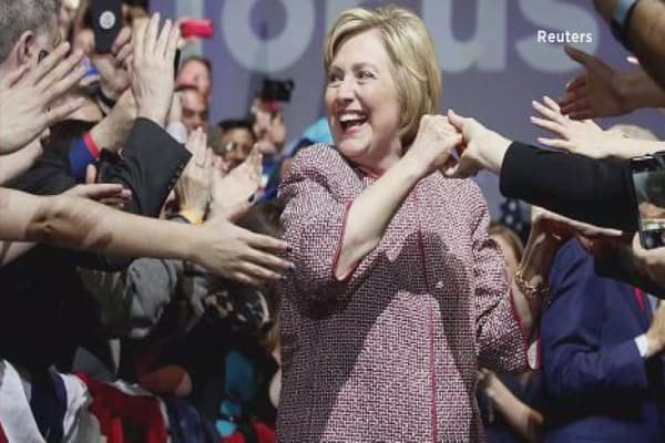 Hillary Clinton wears $12K Armani jacket for income inequality speech
