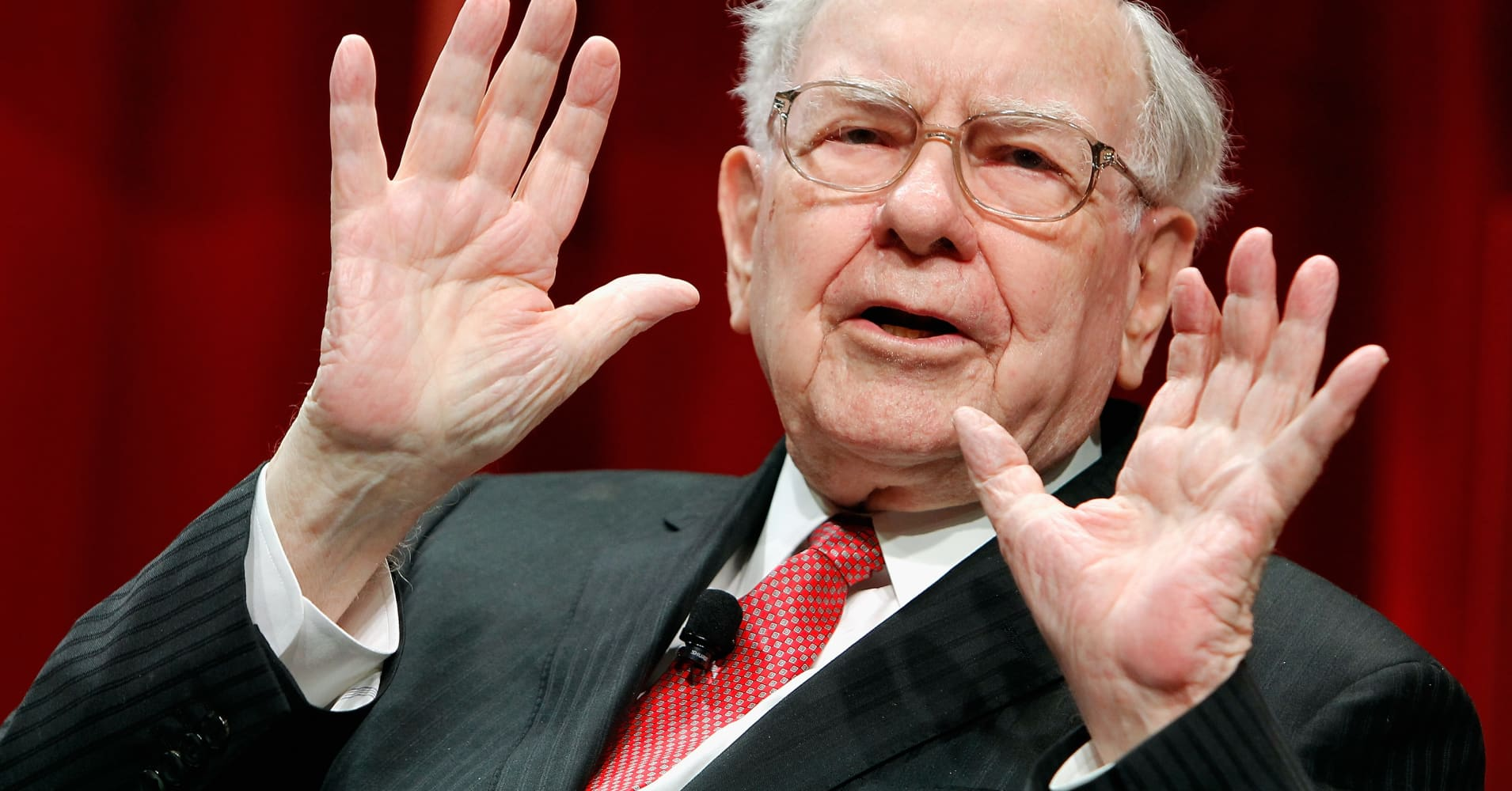 Berkshire shareholder: I don't know why the company bought more Apple