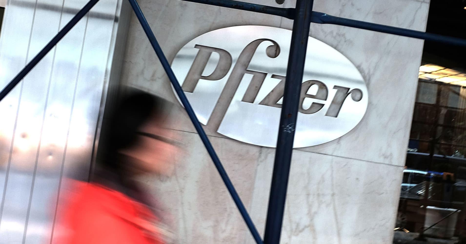 Pfizer revenue rises 11 percent