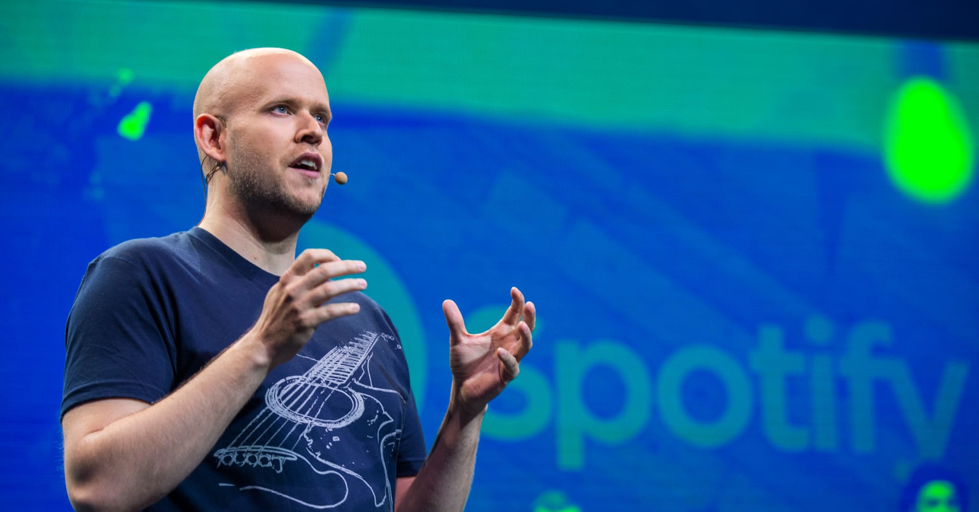 Spotify to do direct listing on NYSE later this year or early 2018: Sources