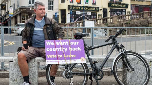 "Man with a ""Vote to Leave"" sign in Ramsgate, England, June 13, 2016."
