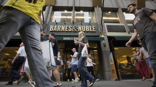 Barnes & Noble looks to new products, marketing to revive sales