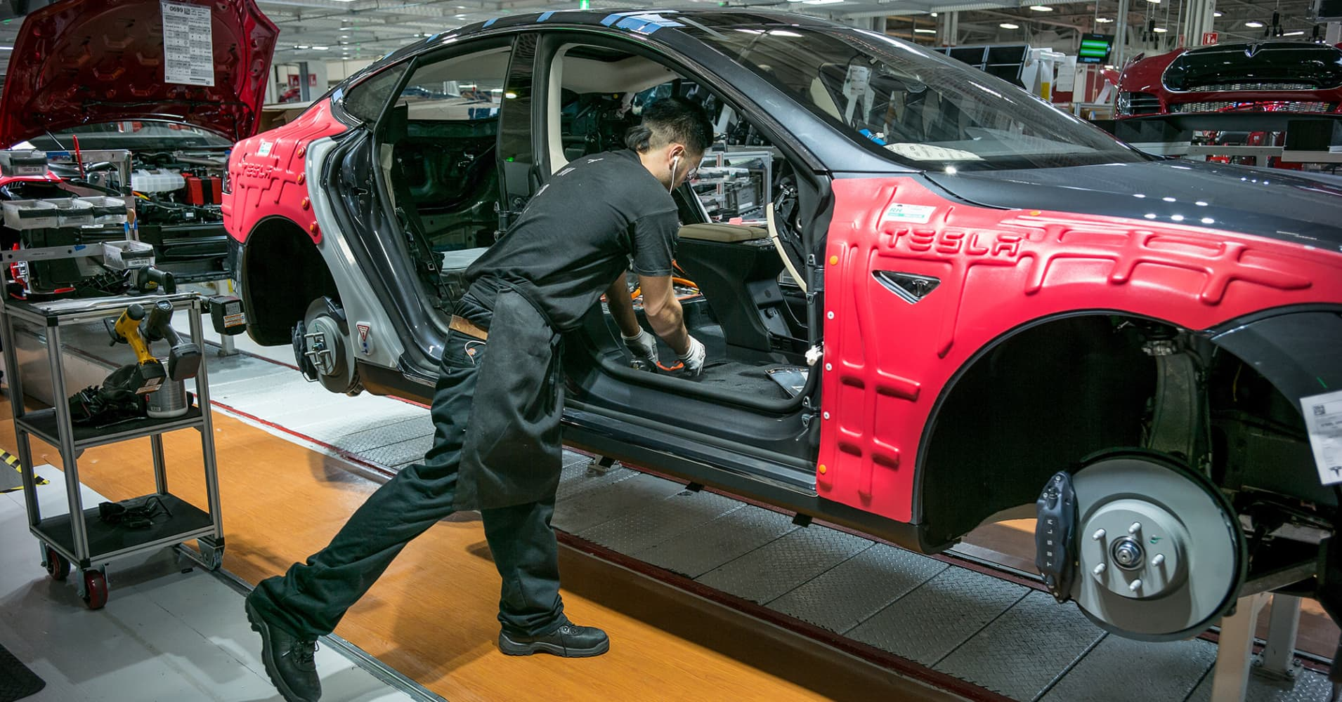 Tesla injury rate higher than industry average, said new report