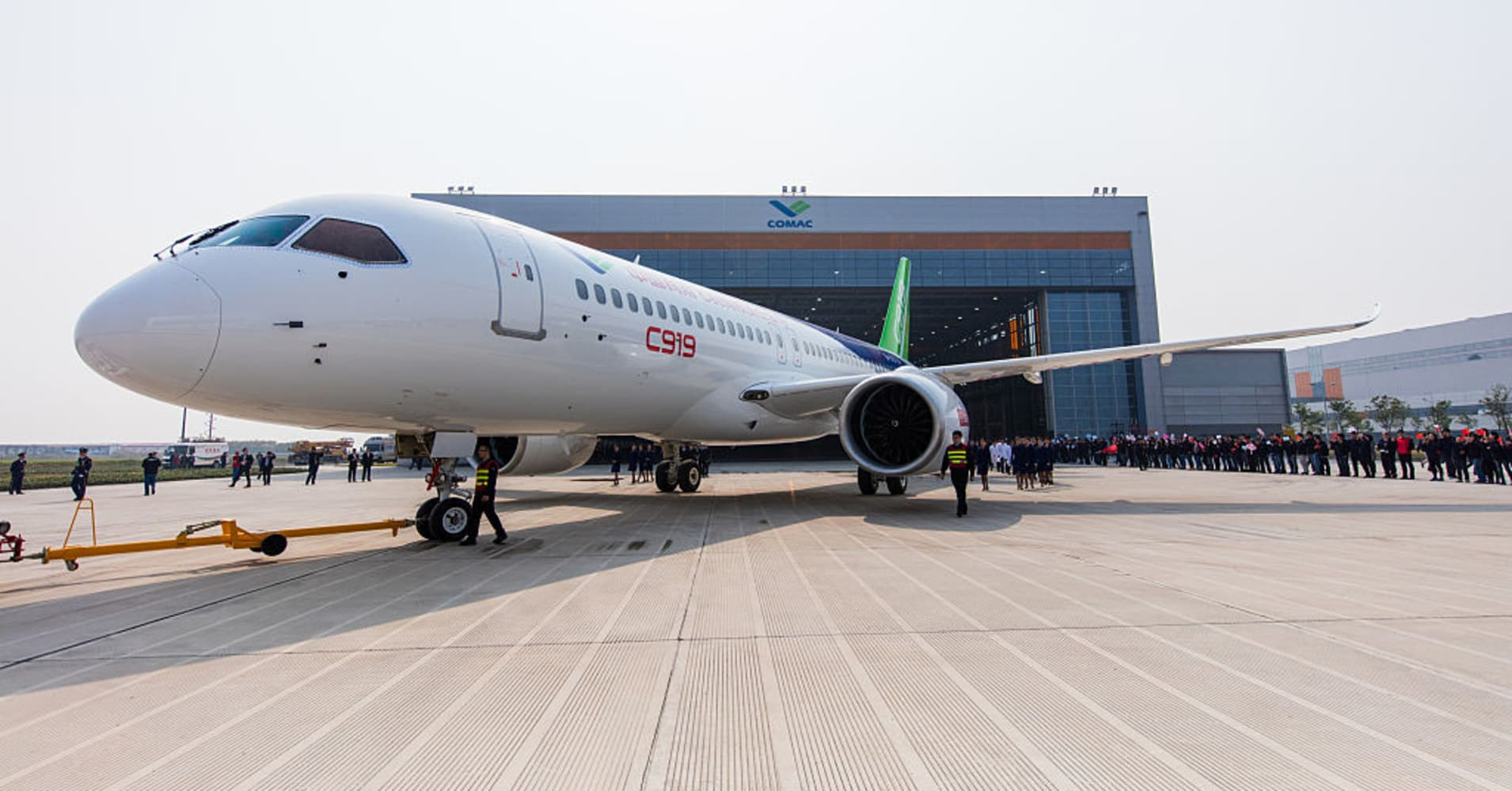China's first giant passenger jet makes successful takeoff and landing in maiden flight