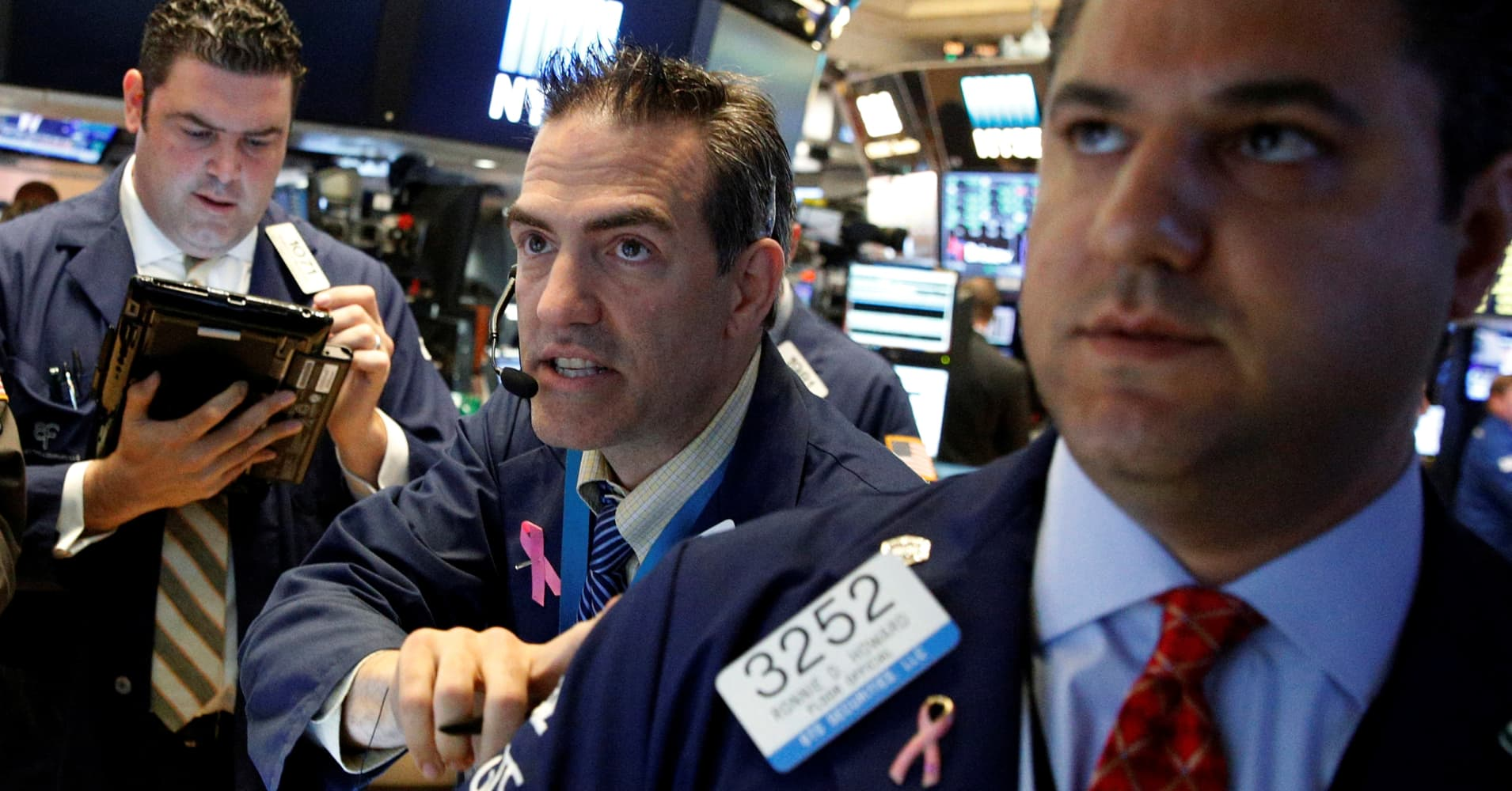 Dow closes about 90 points higher after Trump delivers on overseas deals