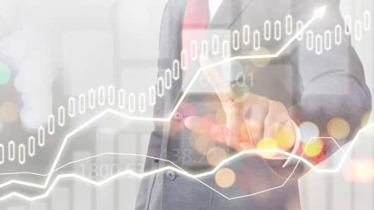 The Charles Schwab Corporation (NYSE:SCHW) Under Analyst Spotlight