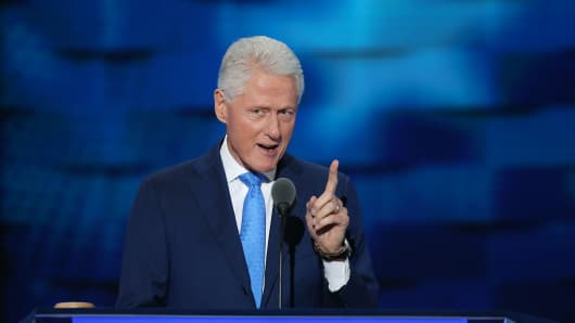 Former US President Bill Clinton delivers remarks on the second day of the Democratic National Convention at the Wells Fargo Center, July 26, 2016 in Philadelphia, Pennsylvania.