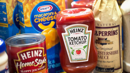 Kraft Heinz Earnings Boosted by Cost Cuts