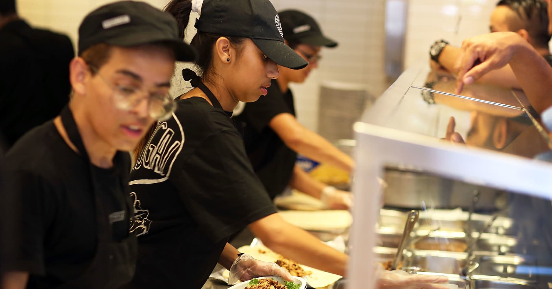Despite Chipotle's post-earnings rally, recovery is still 'anemic'