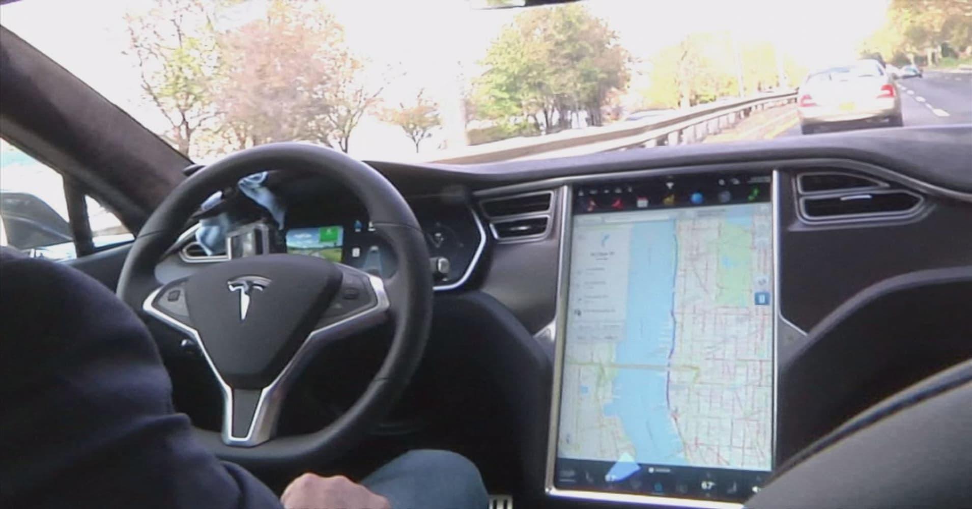 Tesla removes 'autopilot' from China website after Beijing crash