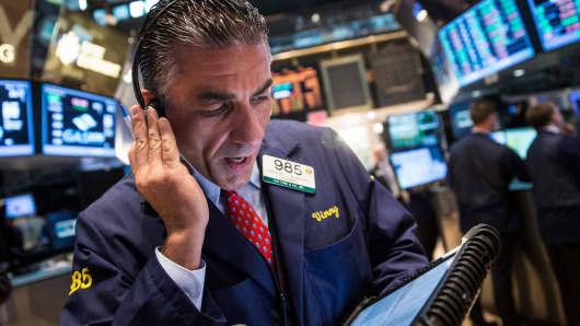 U.S. dollar slumps after Fed minutes