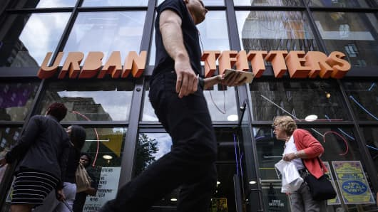 Urban Outfitters, Inc. (NASDAQ:URBN) Gapping Lower -6.73%